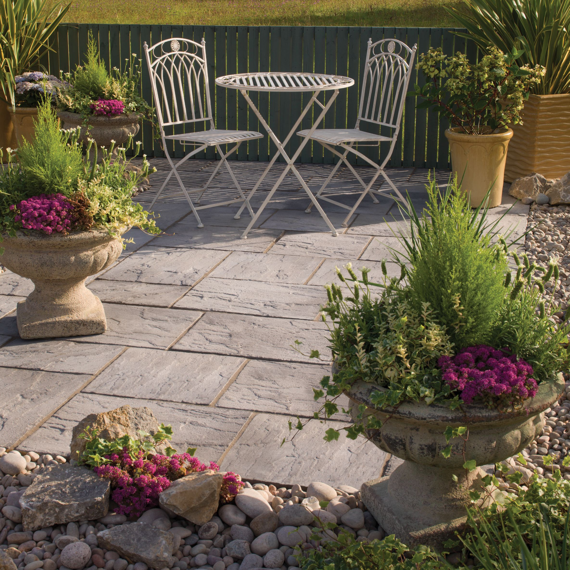 Weathered grey Ashbourne Mixed size paving pack (L)3150