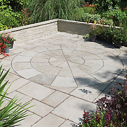 Grey Green Old Town Circle Paving Pack2.8M