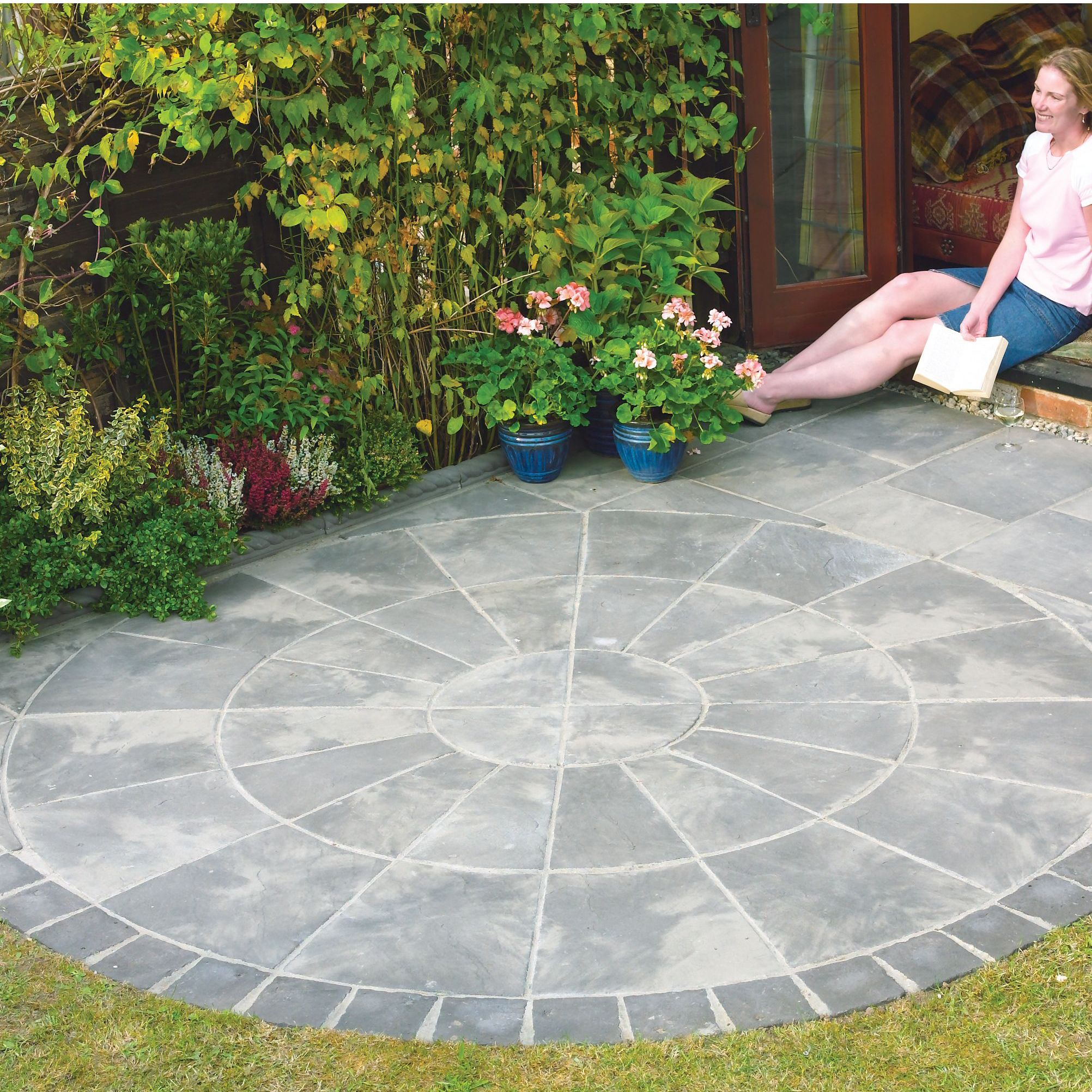 Autumn silver Old Riven Circle paving pack 2.4m