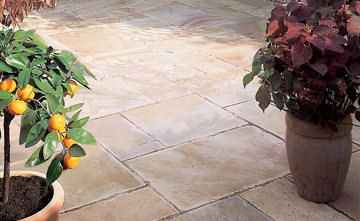 Even-edged paving