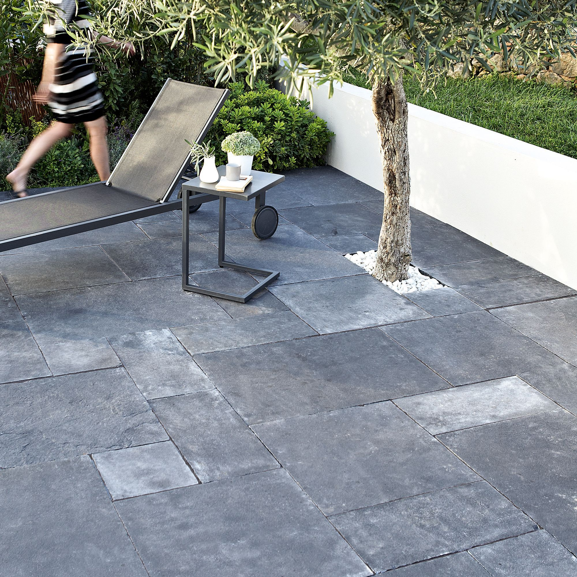 Blue black Natural limestone Single paving slab (L)600mm