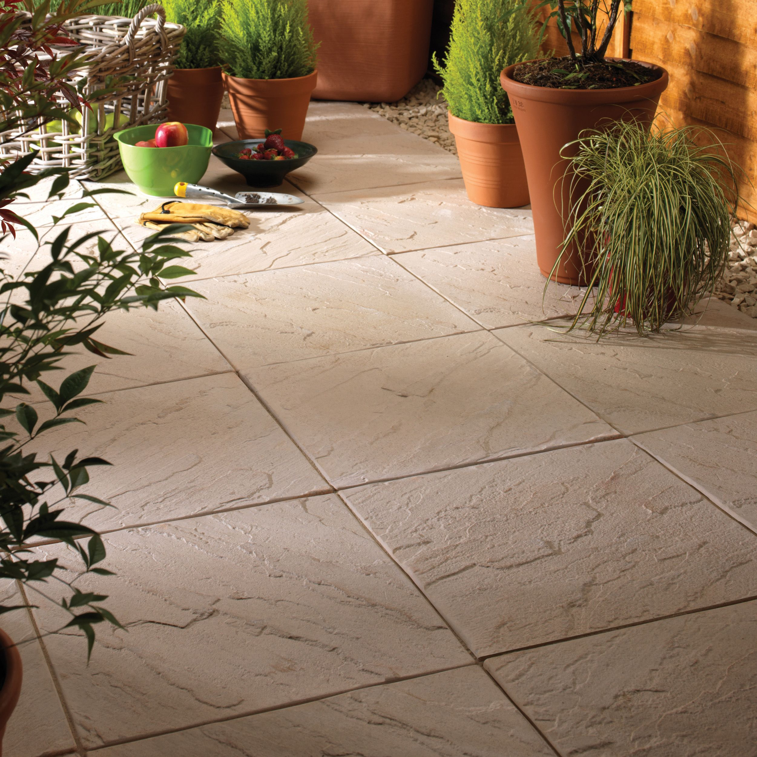 Moorland cream Derbyshire Single paving slab (L)450mm (W)450mm