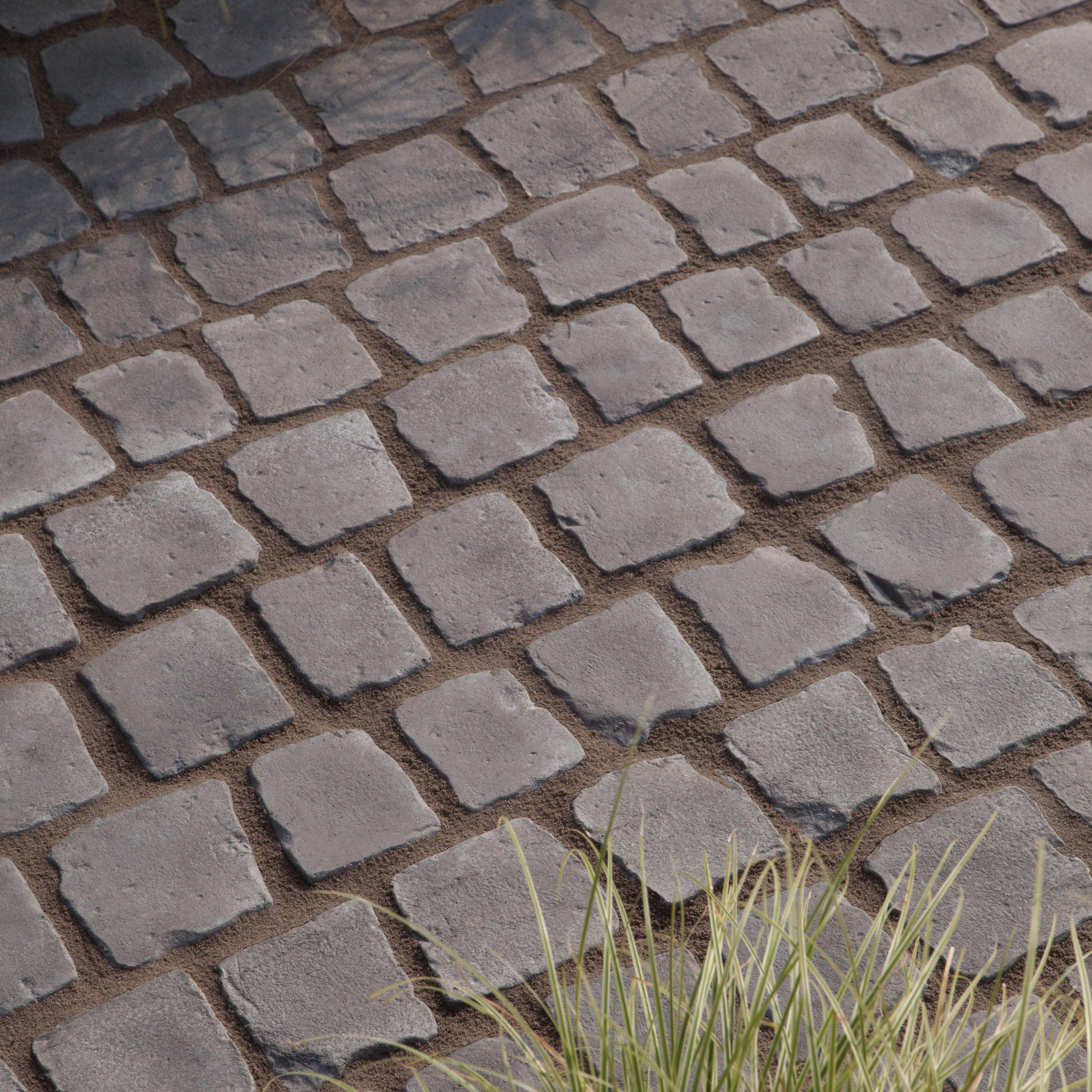 Charcoal Carpet Stones Cobble Mat Full Circle In Square L