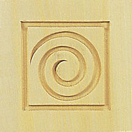 Solid pine Swirl corner blocks (W)90mm (L)90mm