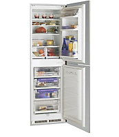 Hotpoint HM325NI White Integrated Fridge freezer