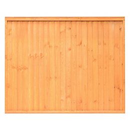 Grange Close board Traditional Vertical slat Fence panel