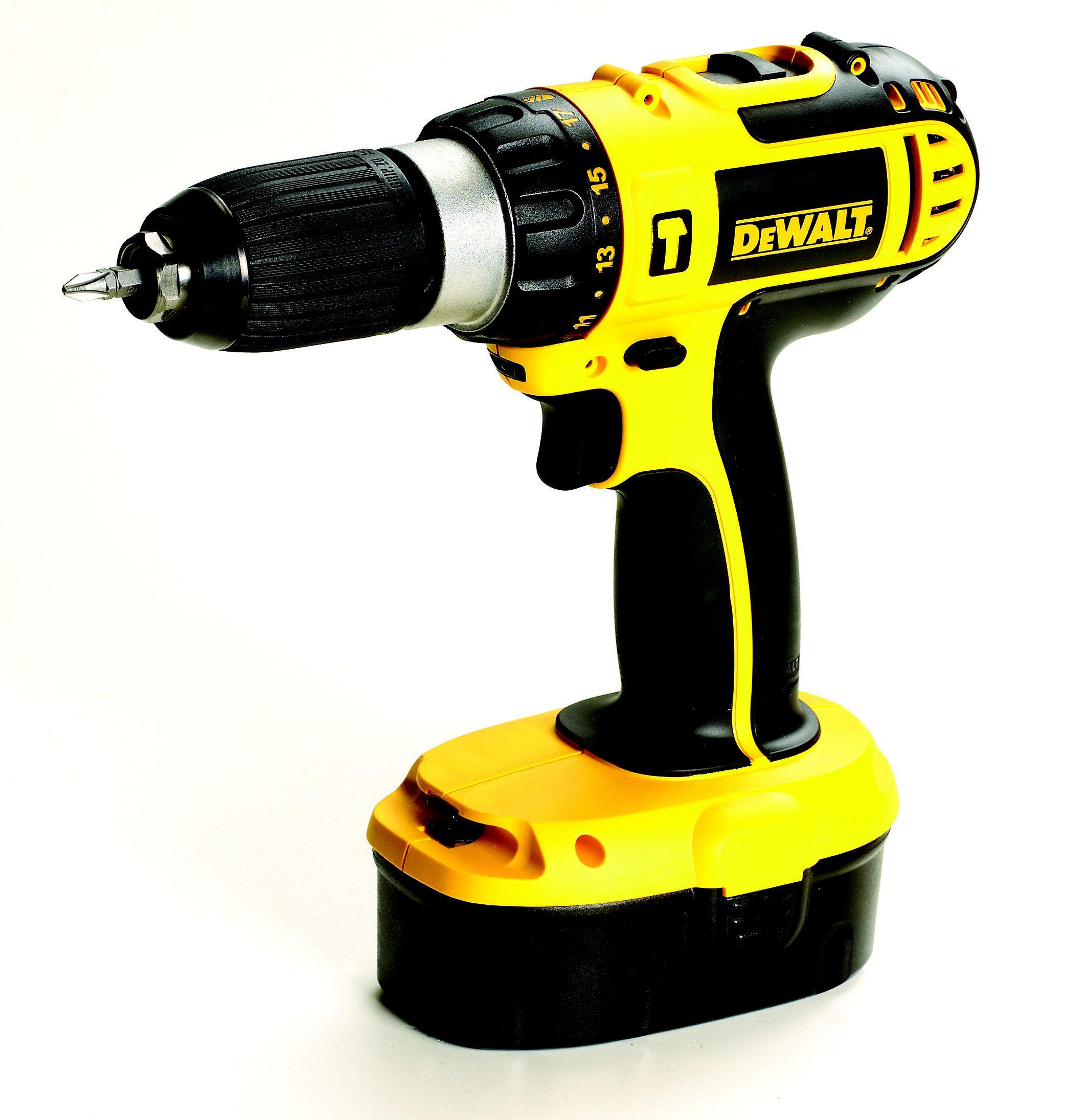 Dewalt Cordless 18v 1 3ah Ni Cd Combi Drill 2 Batteries