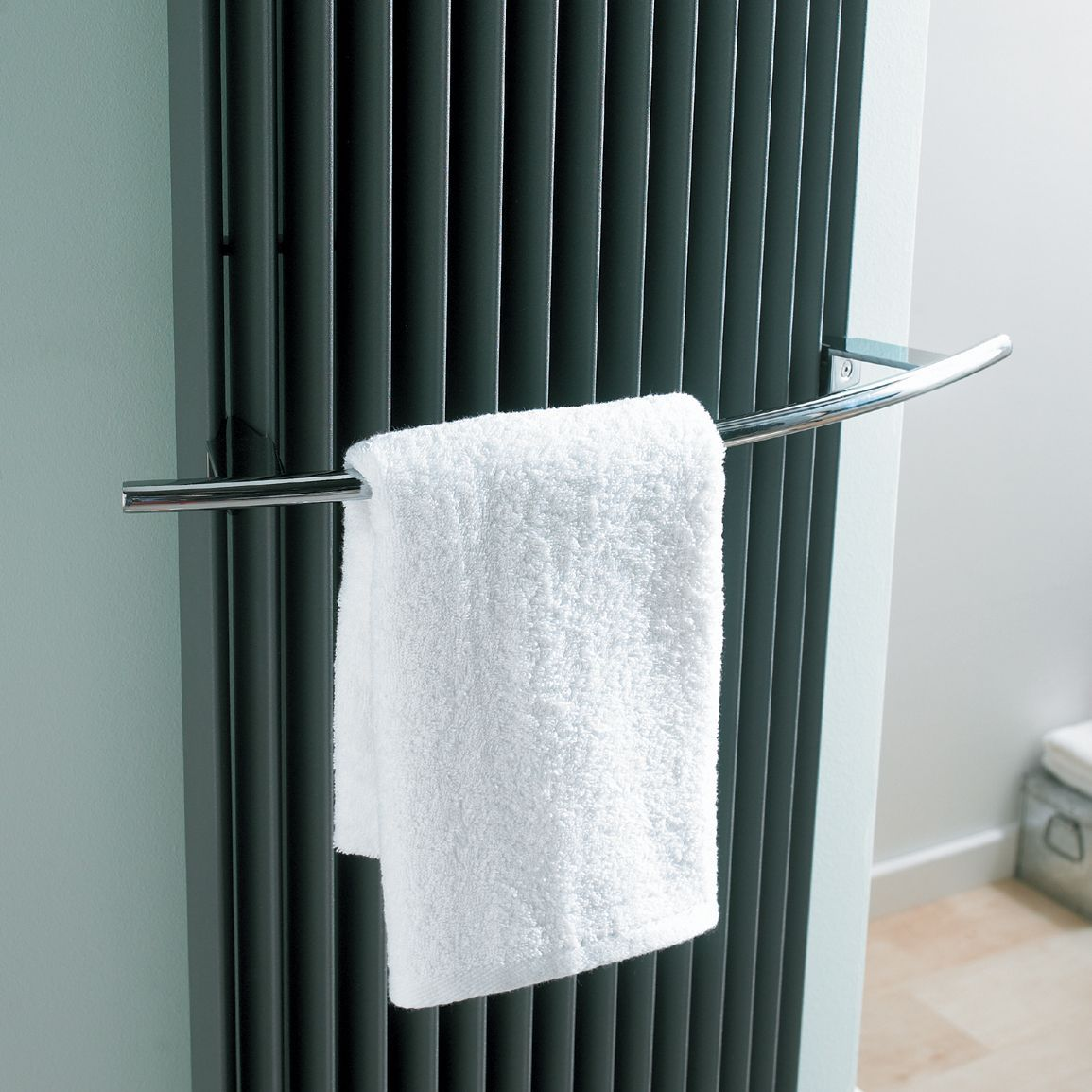 Jaga Chrome effect Towel rail (H)530mm (W)80mm (D)80mm