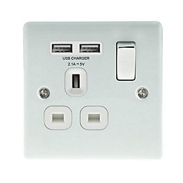 British General 2.1A Ice White Switched Socket &