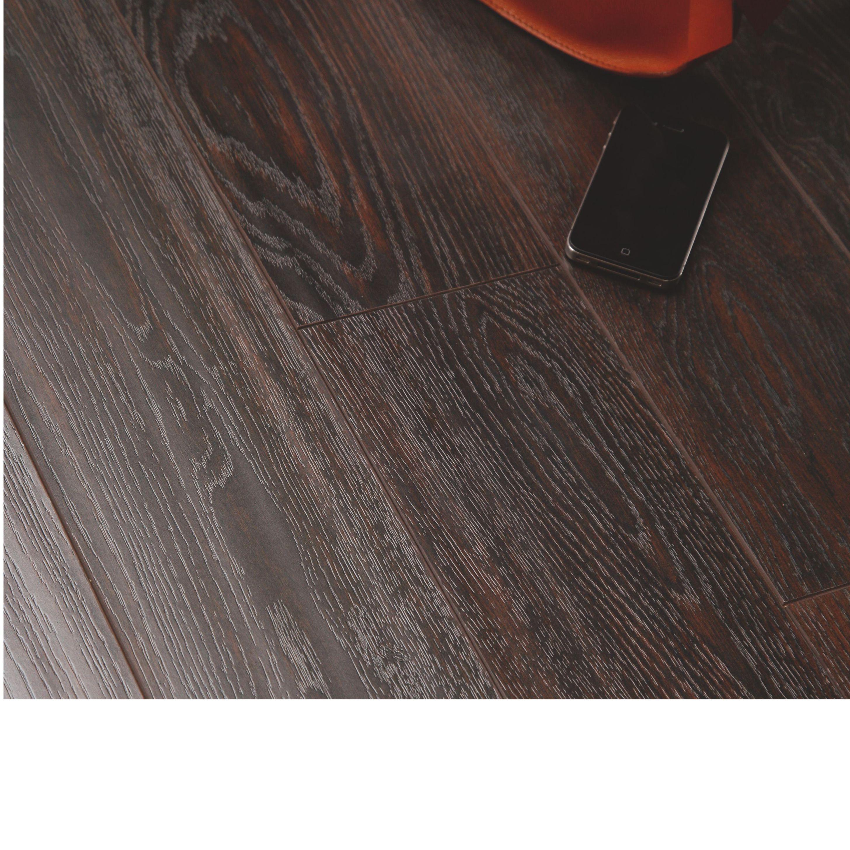 B q laminate flooring offers meze blog for Laminate flooring offers