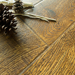 Alseno Vintage oak effect Laminate flooring 1.4m² Pack