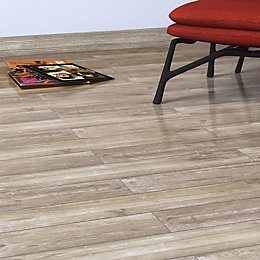 Damaso Beige Wood effect Porcelain Floor tile, Pack