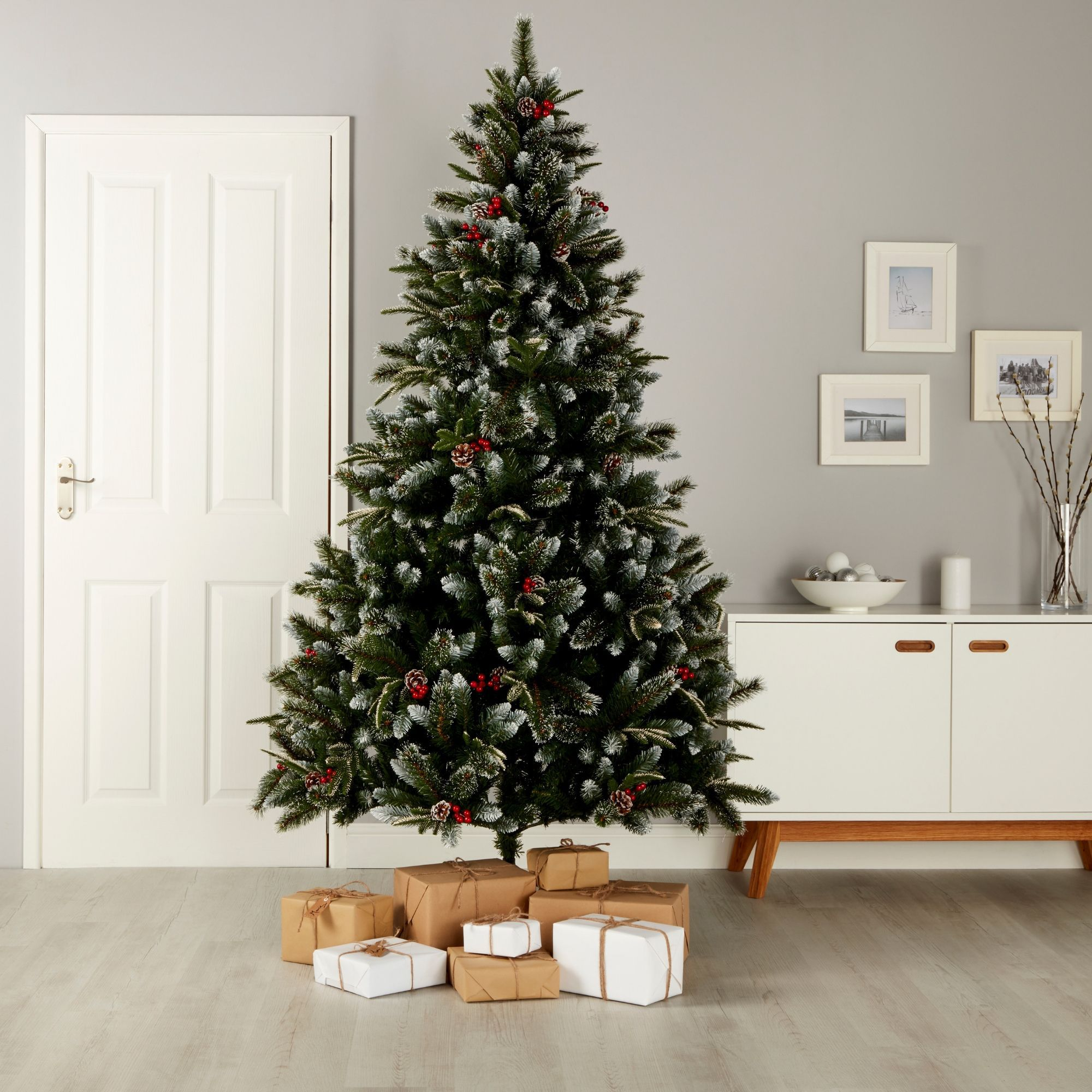 Christmas Branch Tree.6ft 10in New Jersey Spruce Artificial Christmas Tree Departments Diy At B Q