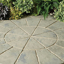 Rustic Sage Minster Paving Circle Squaring Off Pack