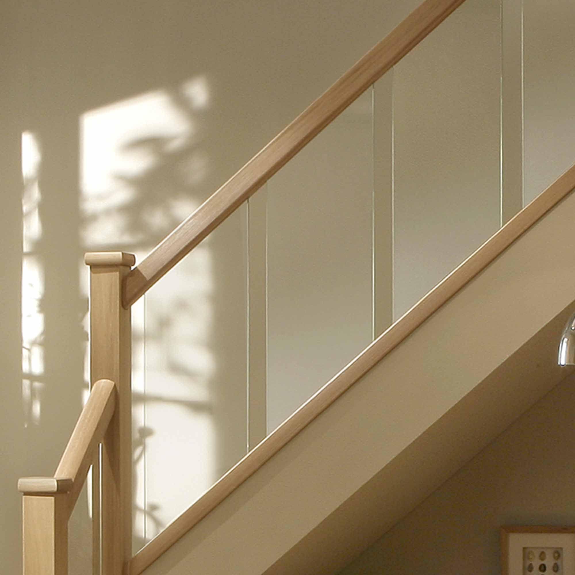 Reflections Oak Handrail (L)4200