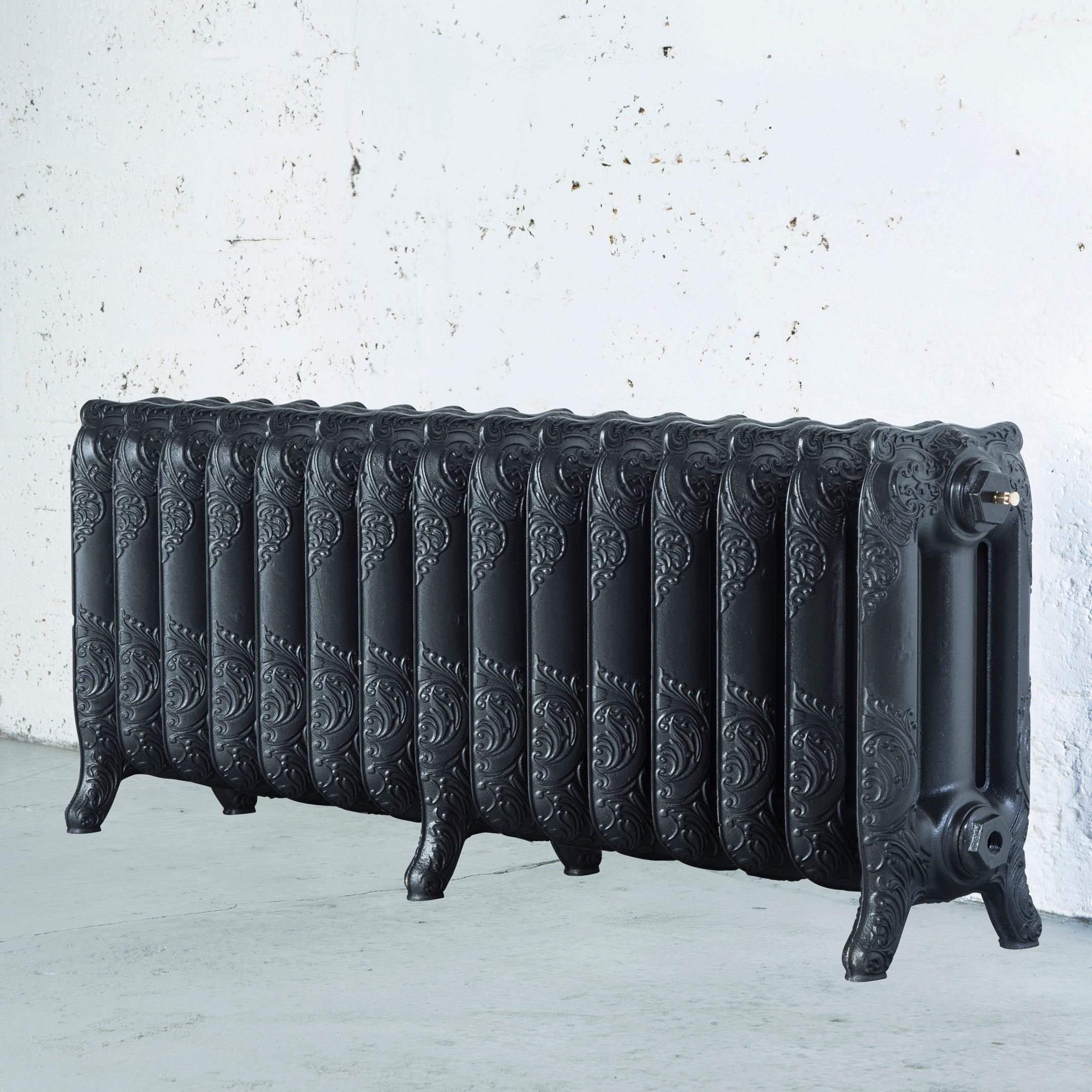 Arroll Montmartre 3 Column radiator, Pewter (W)1234mm (H)470mm