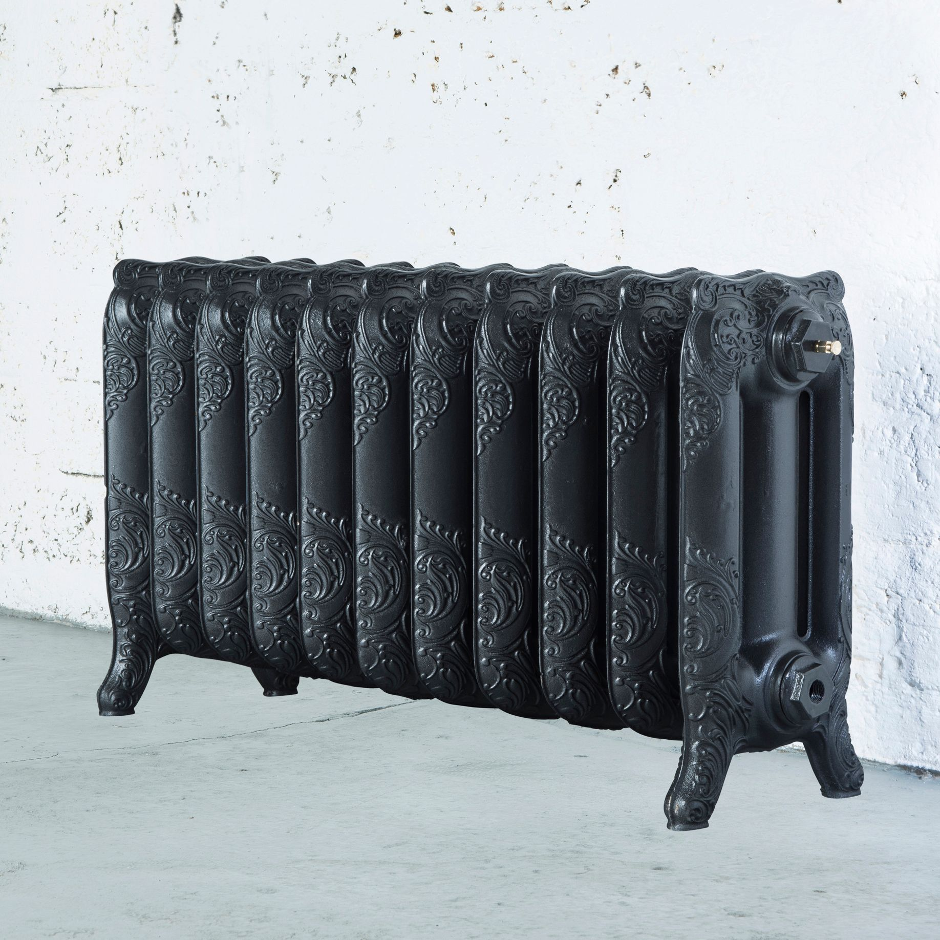 Arroll Montmartre 3 Column radiator, Pewter (W)914mm (H)470mm