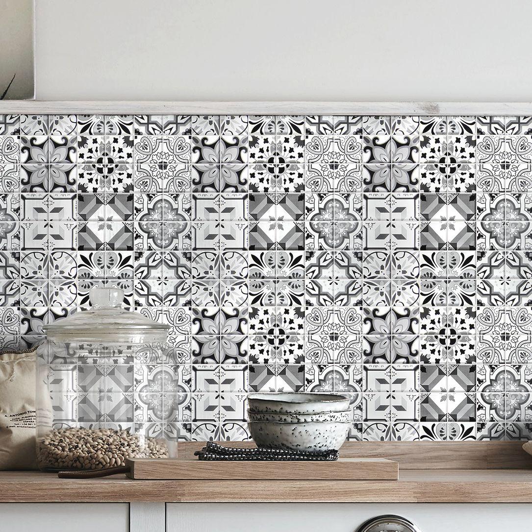 Geo Black & white Moroccan Glass Wall mosaic