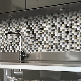 Antwerp Silver effect & white Checkerboard Glass Wall
