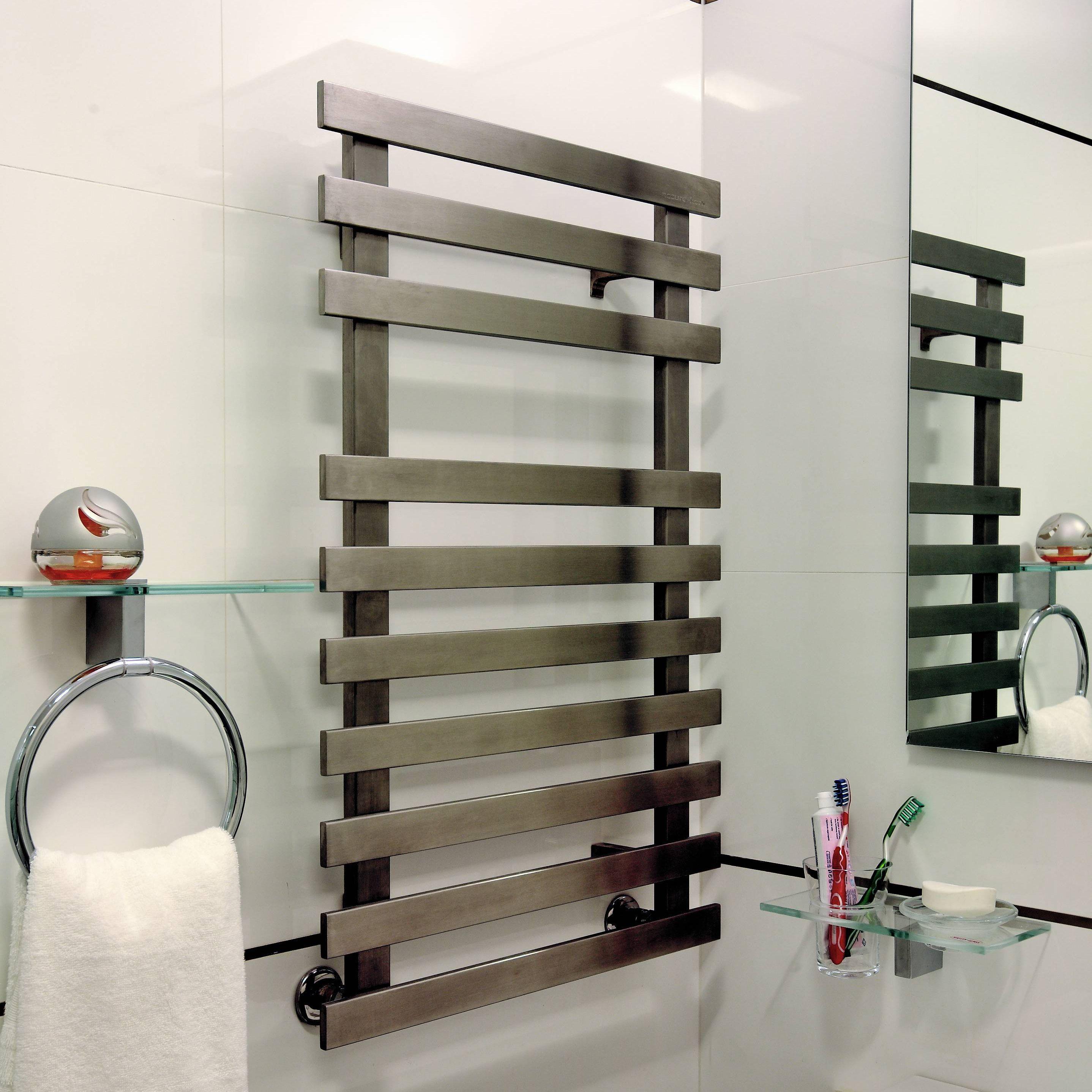 Accuro Korle Daisy Silver Towel Warmer (H)840mm (W)500mm