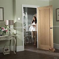 1 Panel Shaker Oak veneer Internal Door, (H)1981mm (W)610mm