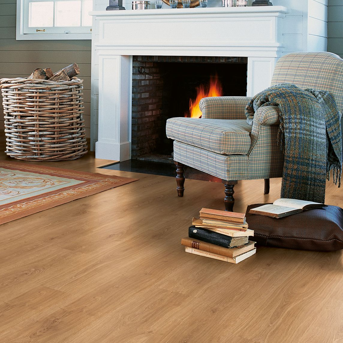 Calando Authentic Oak Effect Laminate Flooring 1 59 M² Pack Departments Diy At B Q