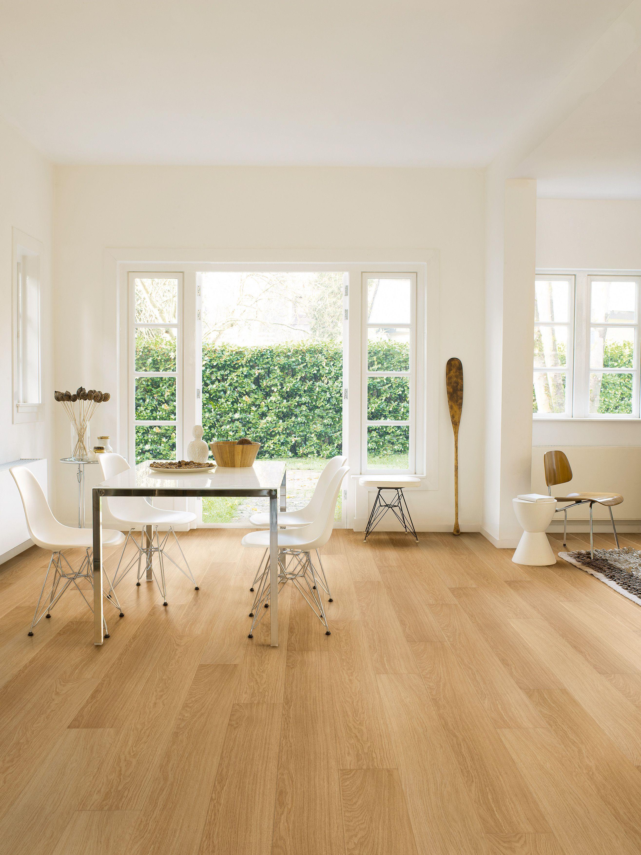 Quickstep Aquanto Oak Effect Laminate Flooring Pack