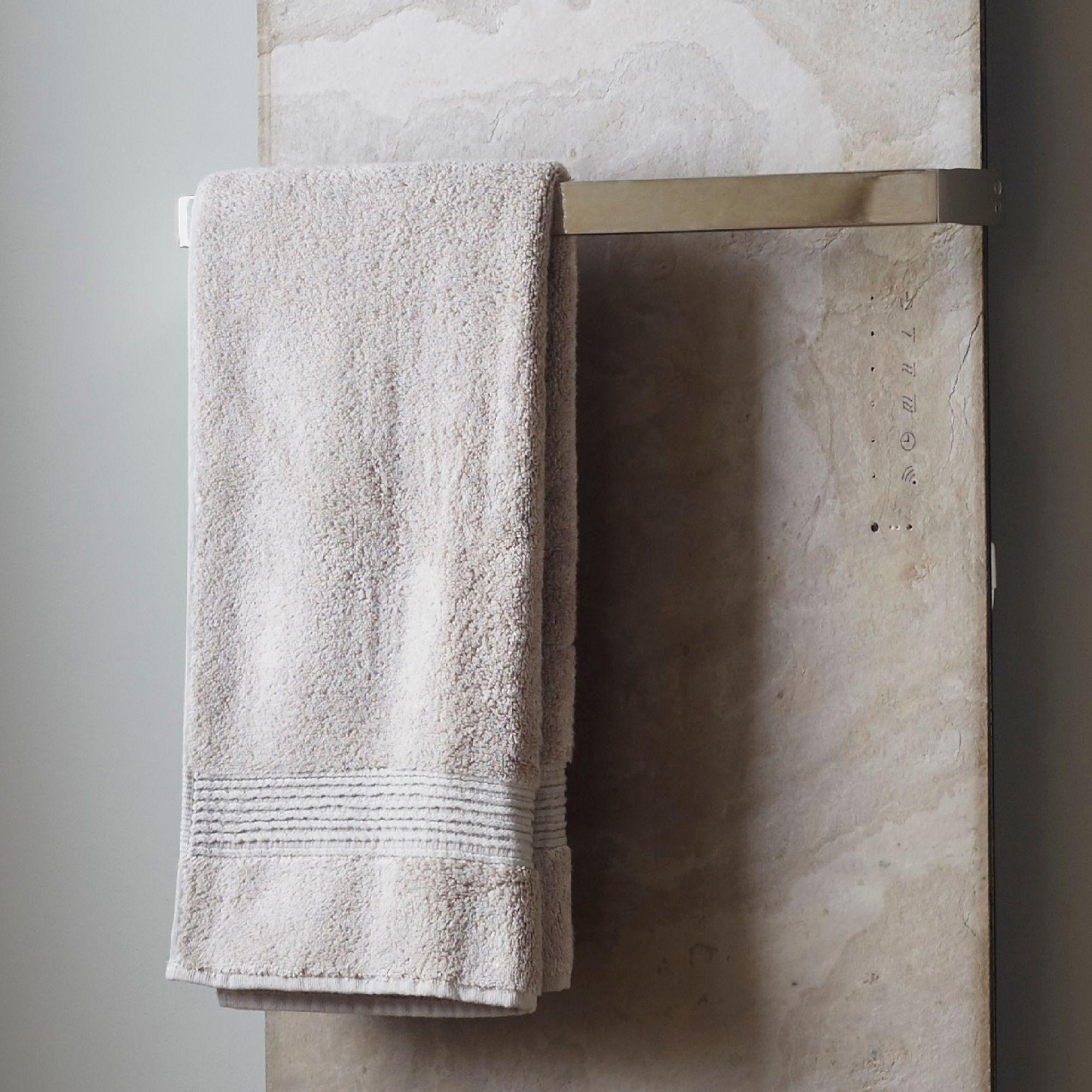 Polished Vetro towel bar (H)20mm (W)520mm (D)90mm