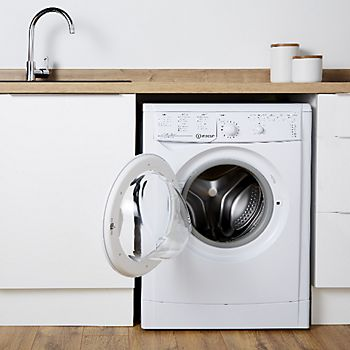 Raffello high gloss white kitchen range with integrated washing machine