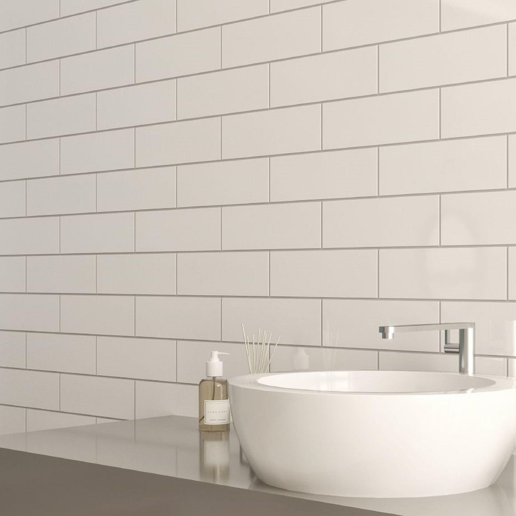 Windsor White Gloss Ceramic Wall tile, Pack of 30, (L ...