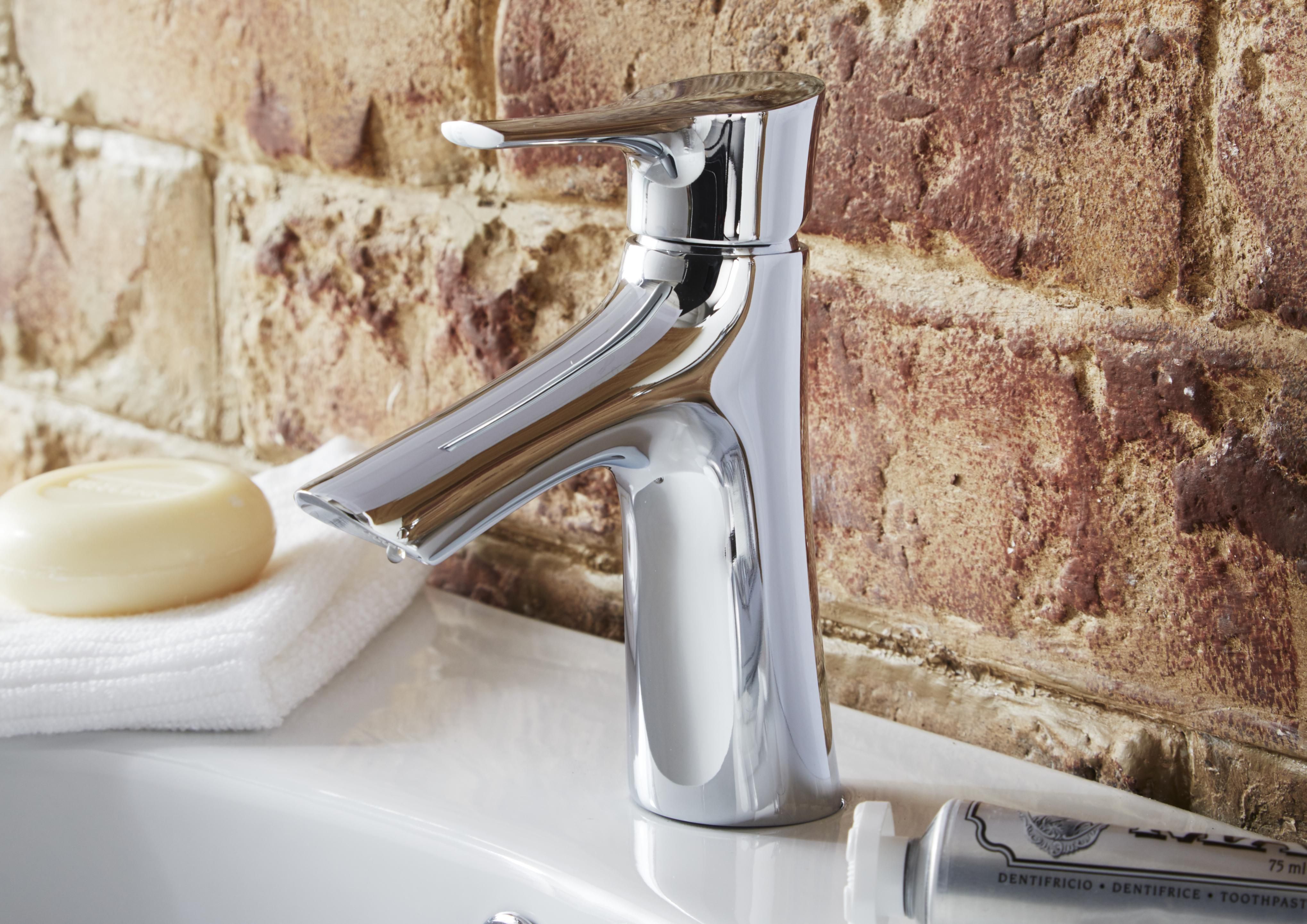 Bathroom taps buying guide | Ideas & Advice | DIY at B&Q