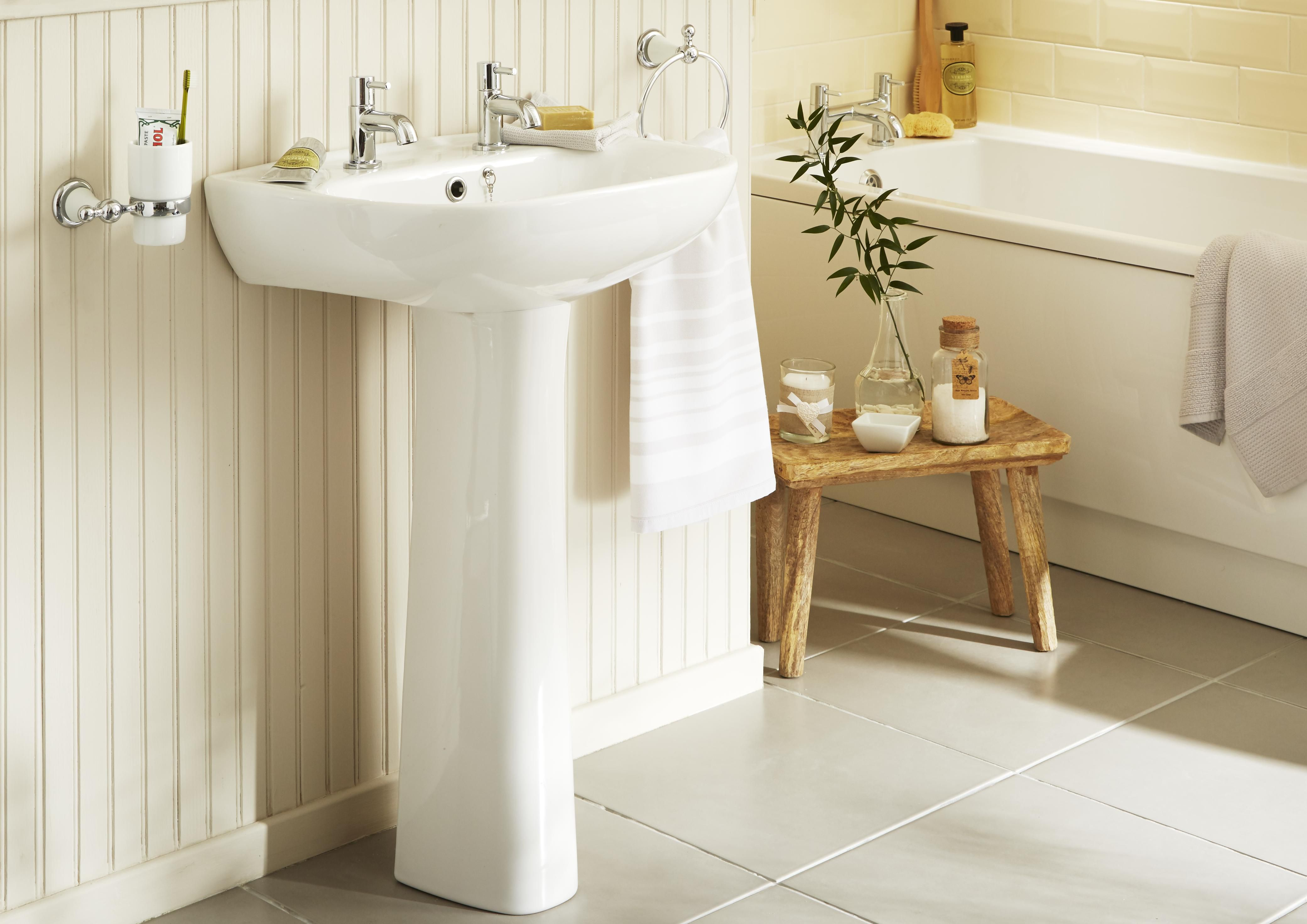 Basin buying guide | Ideas & Advice | DIY at B&Q