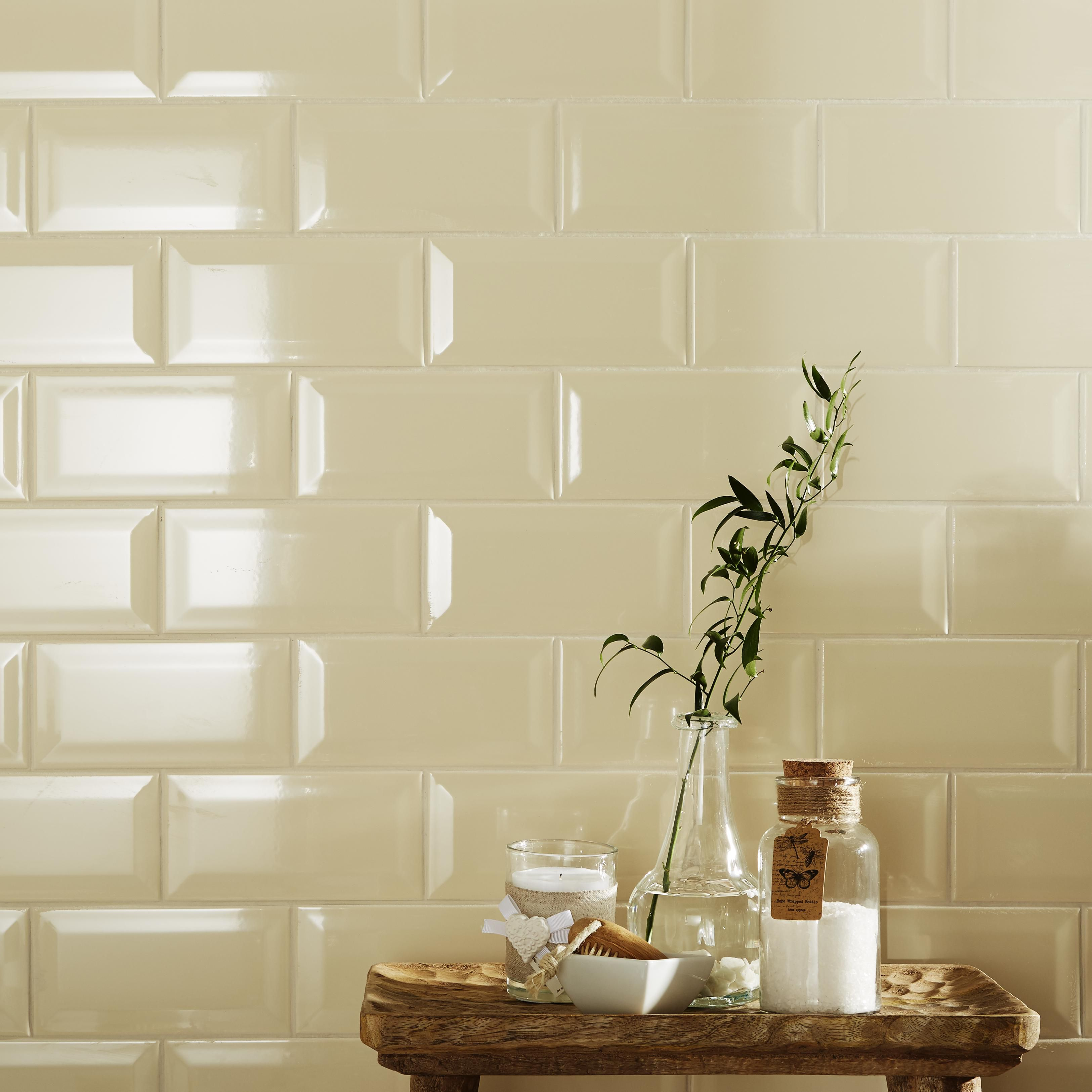 b q tiles bathroom tiles floor amp wall tiles diy at b amp q diy at b amp q 21938
