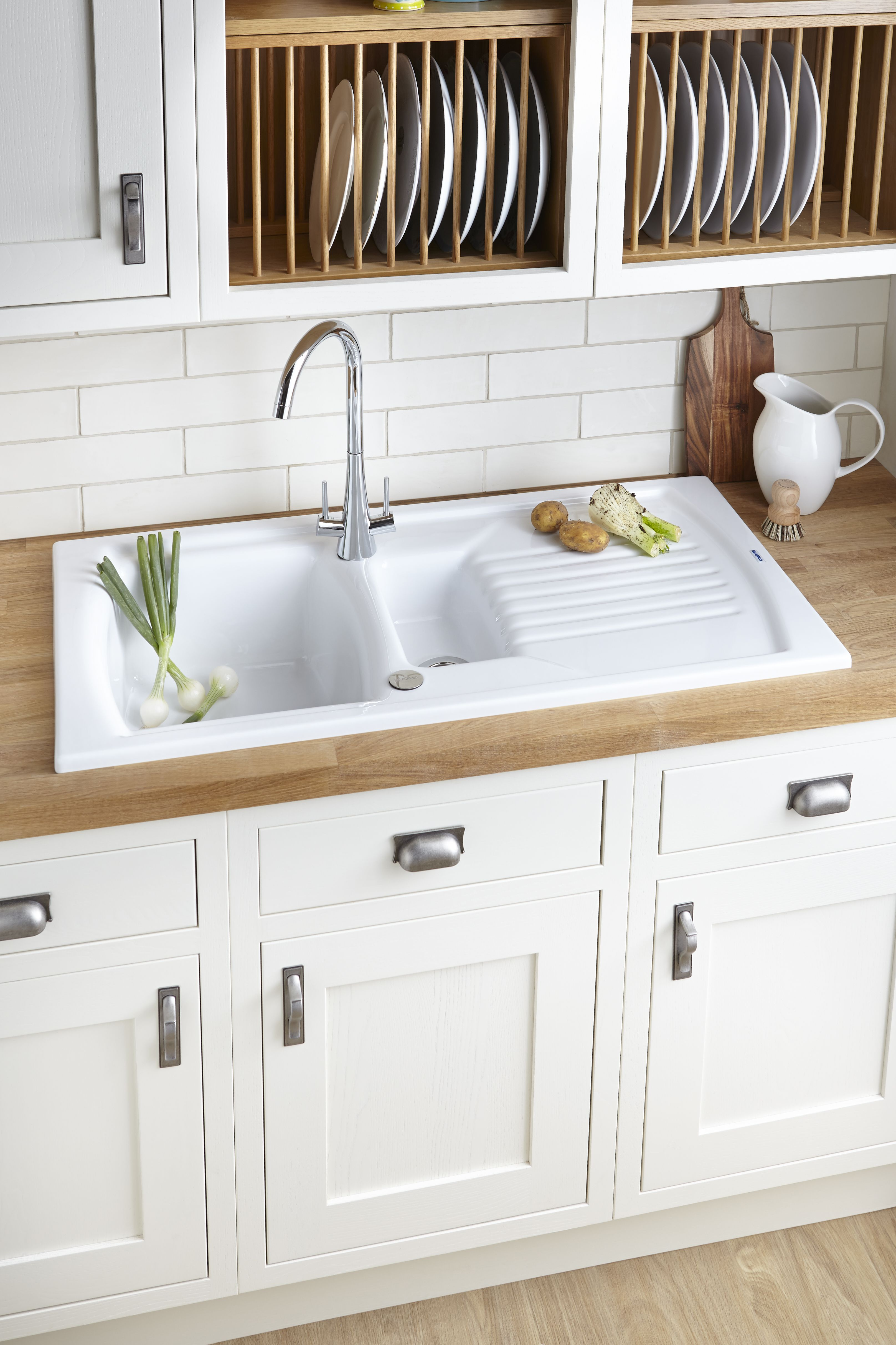 What Is The Best Material For Kitchen Sinks - House Designer Today •