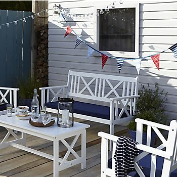 Garden furniture with bunting