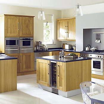 Cooke & Lewis Chesterton Solid Oak kitchen