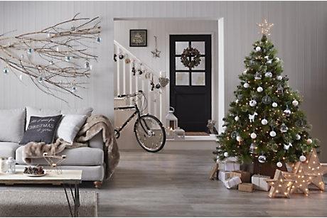 Christmas Tree Decorations Uk 2017   Billingsblessingbags.org
