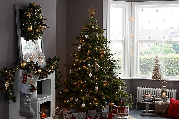 Christmas | Ideas & Advice | DIY at B&Q