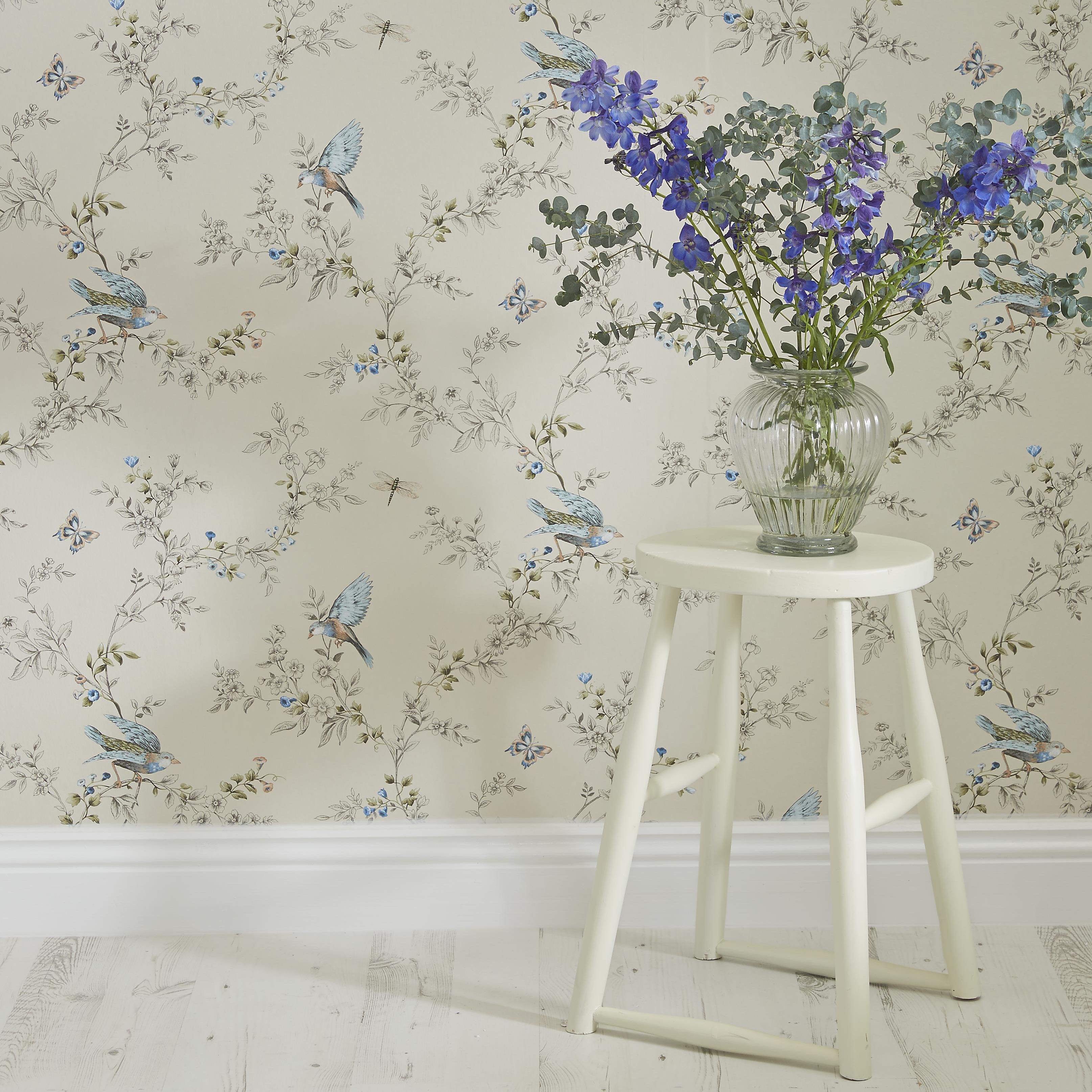 Borders for wallpaper: types, advice on choosing, sticking rules 67
