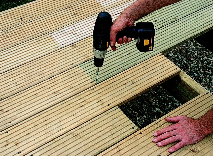 How to build a raised deck | Ideas & Advice | DIY at B&Q