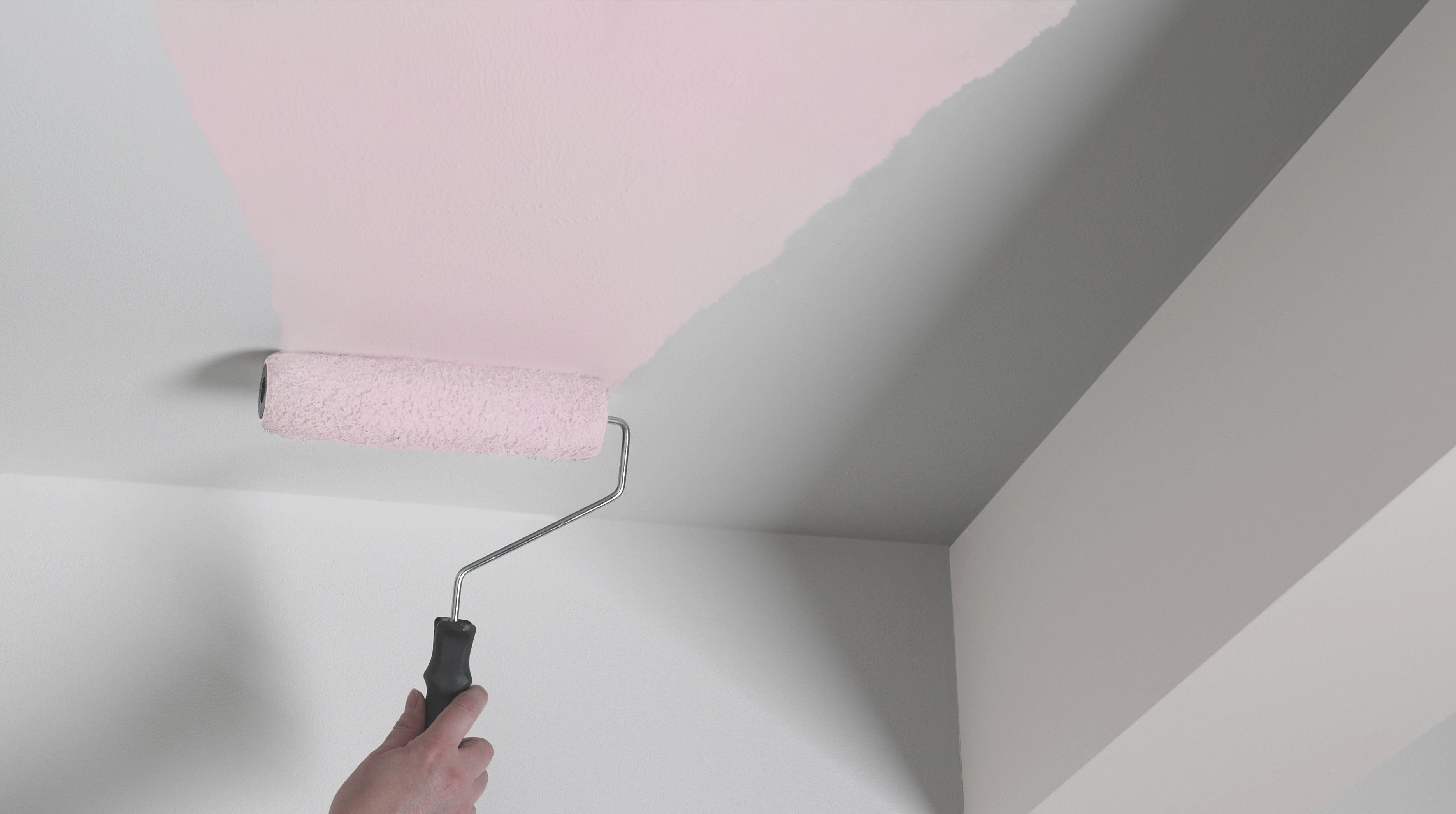 someone painting magic white paint onto a ceiling & Interior paint buying guide | Ideas u0026 Advice | DIY at Bu0026Q