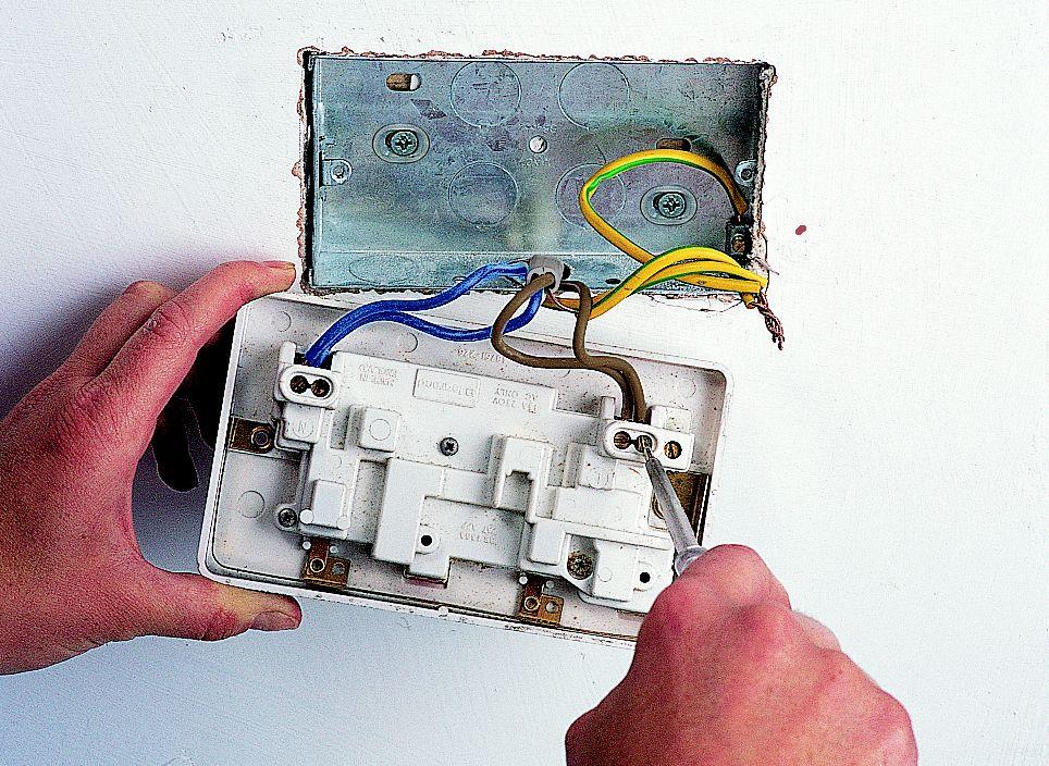 how to fit \u0026 replace electric sockets ideas \u0026 advice diy at b\u0026q
