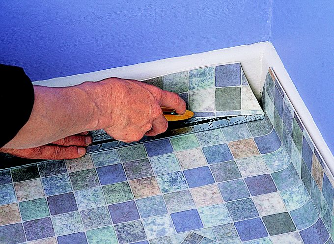 laying vinyl flooring bathroom how to lay sheet vinyl ideas amp advice diy at b amp q 19142