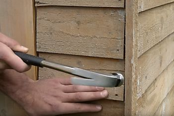 How to paint a wooden shed | Ideas & Advice | DIY at B&Q