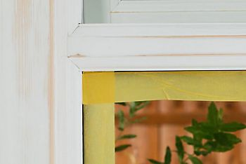How to paint a wooden window frame