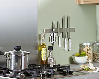 Knife rack in kitchen