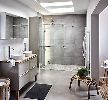 Naya shower