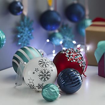 Jolly Festive Christmas decorations