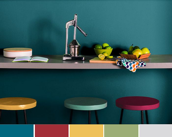 Triadic colour scheme