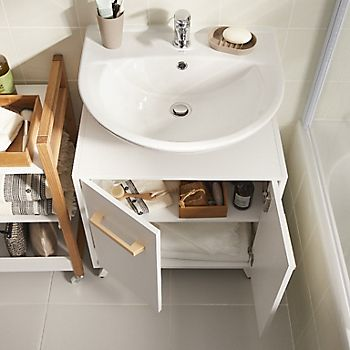 Wall-hung bathroom basins